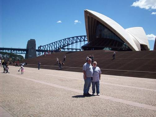 C:\Documents and Settings\Genie\My Documents\My Pictures\Sydney 1\John  Genie in front of Opera House.jpg
